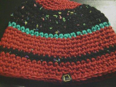 _cappello uomo donna  ragazzo in lana  a righe nere e bordeaux,fatto a mano all'uncinetto C044_