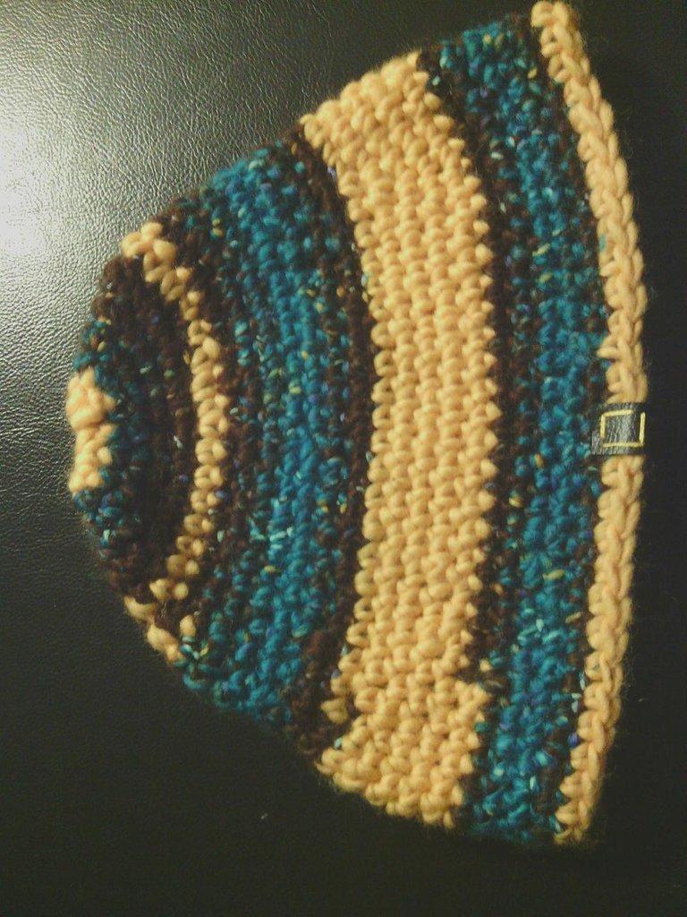 _cappello uomo donna  ragazzo in lana turchese marronne e giallo a righe  fatto a mano all'uncinetto C041