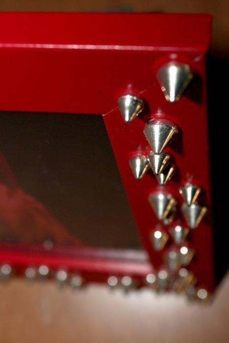 Cornice ROCK borchie rossa