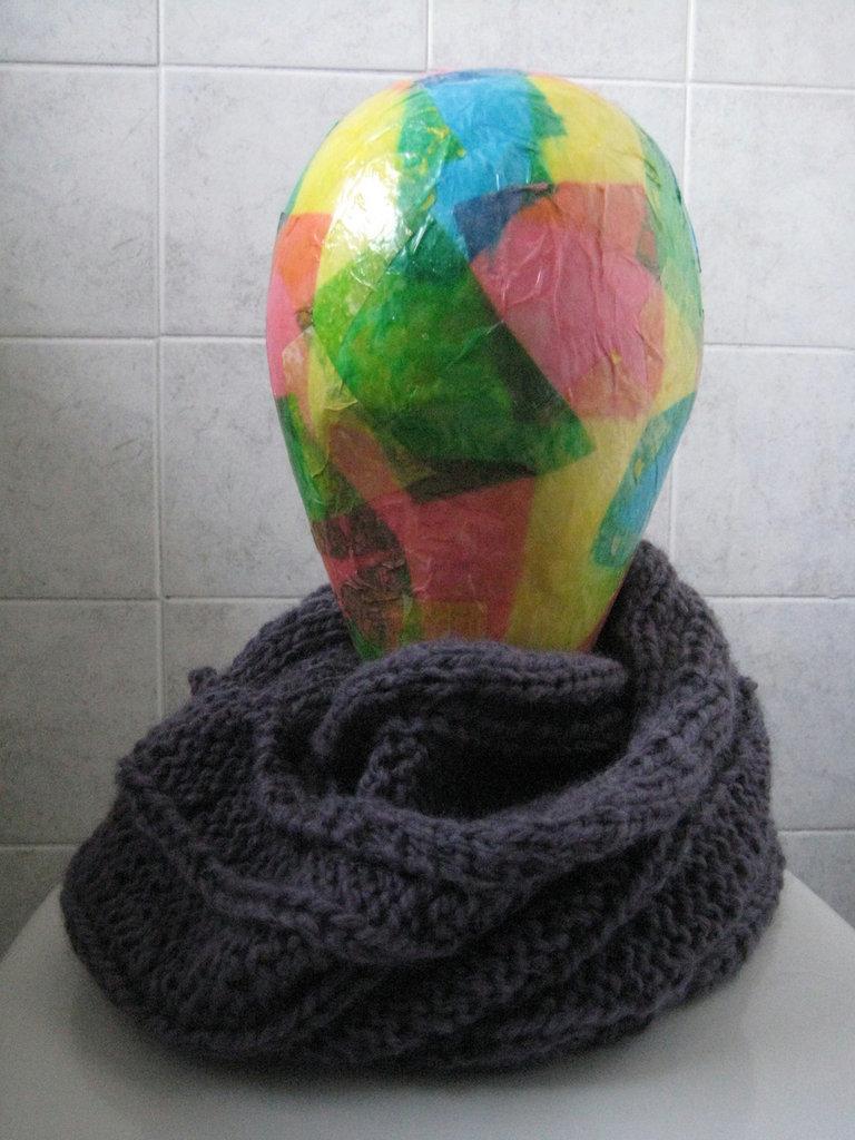 Sciarpa circolare in lana viola