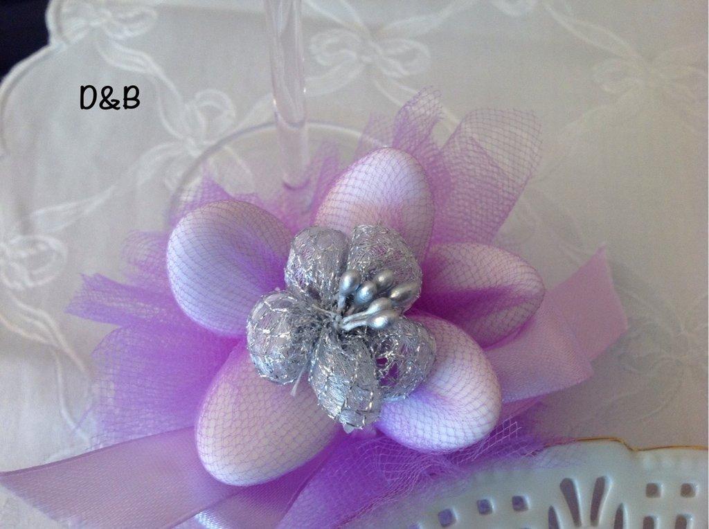 Fiore porta confetti per nozze d'argento