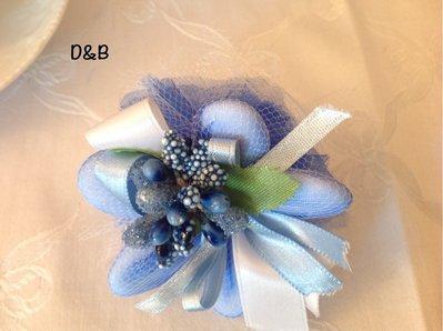 Fiore porta confetti  con piccolo bouquet centrale