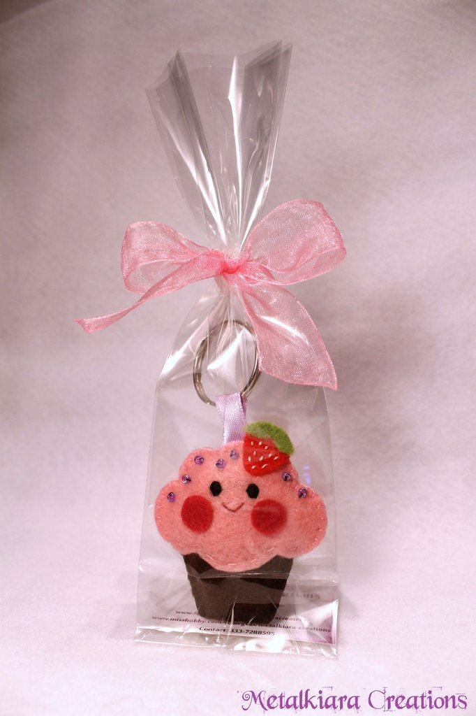 Portachiavi cupcake kawaii in pannolenci/feltro - rosa
