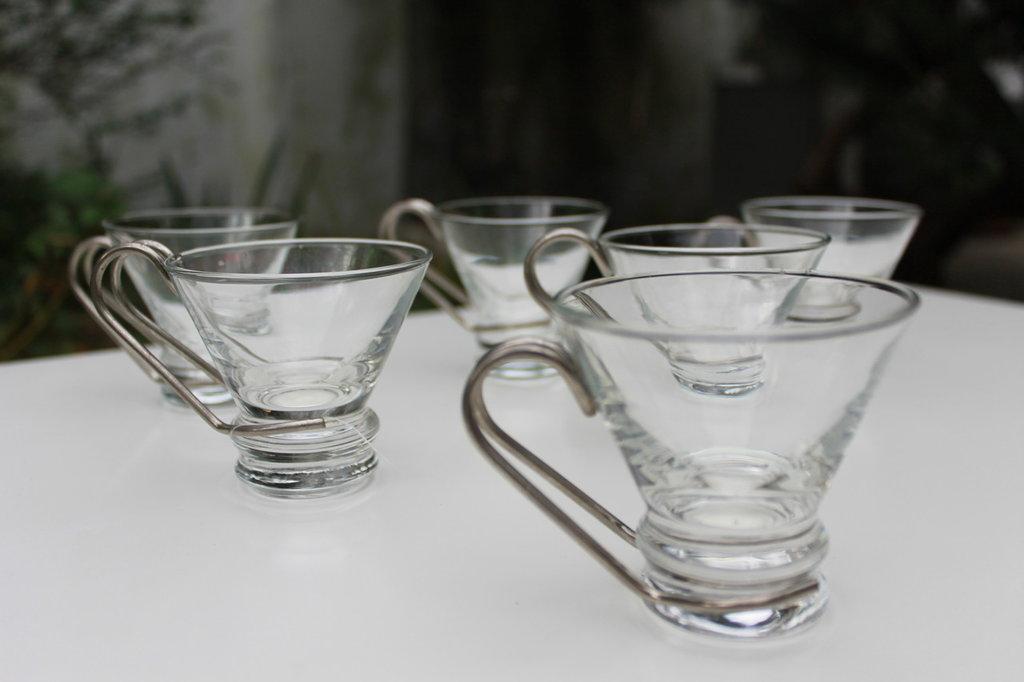Tazzine da caffè in vetro e metallo vintage