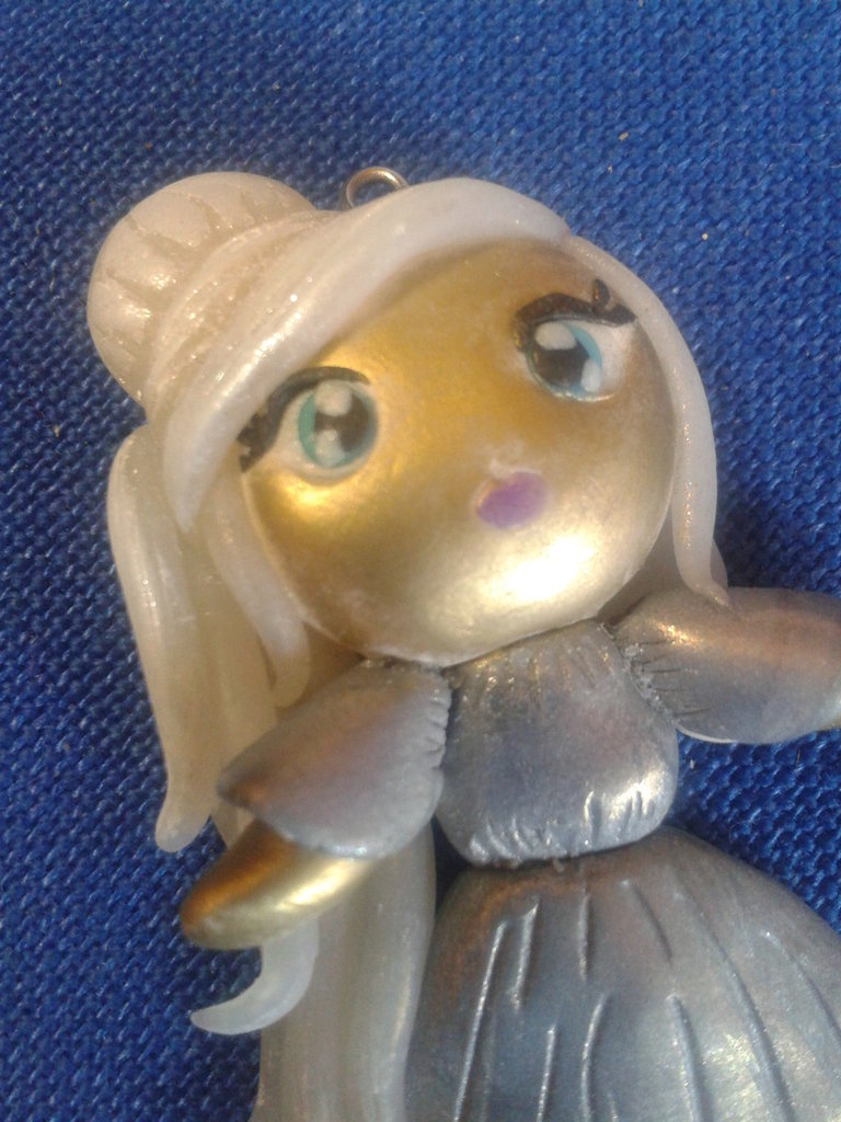 Ciondolo bambolina