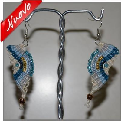 Orecchini a macramè perline e filo multicolore