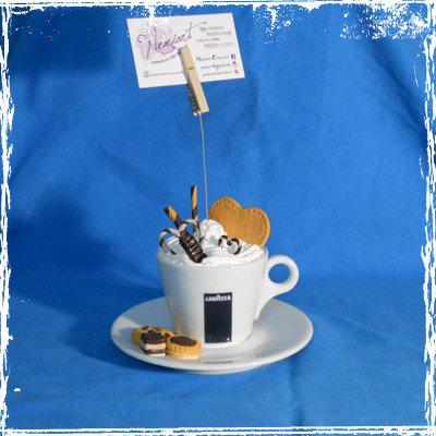 Portafoto Cappuccino effetto panna con cialde biscotti e cioccolatini in fimo.