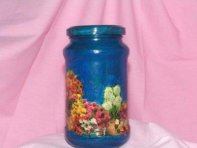 barattolo decorato con fiori