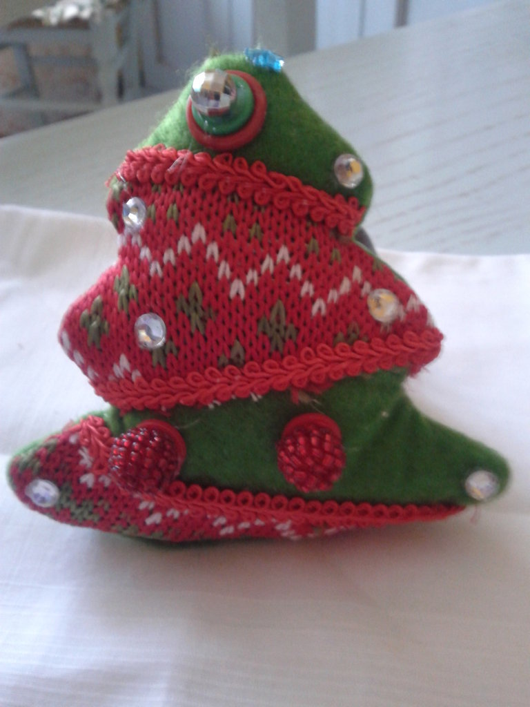 Spilla di Natale in feltro