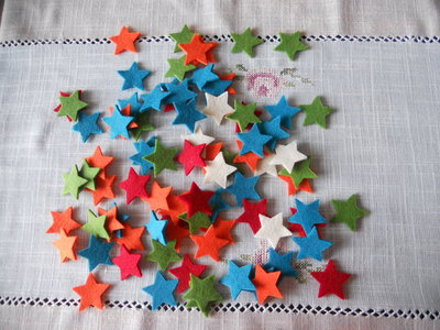 10 stelline in feltro colorate