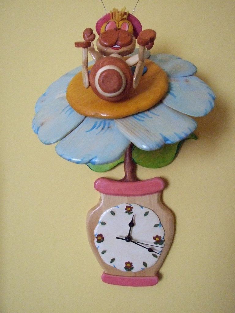 Orologio dell'Ape in fiore