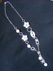 collana lunga bianca