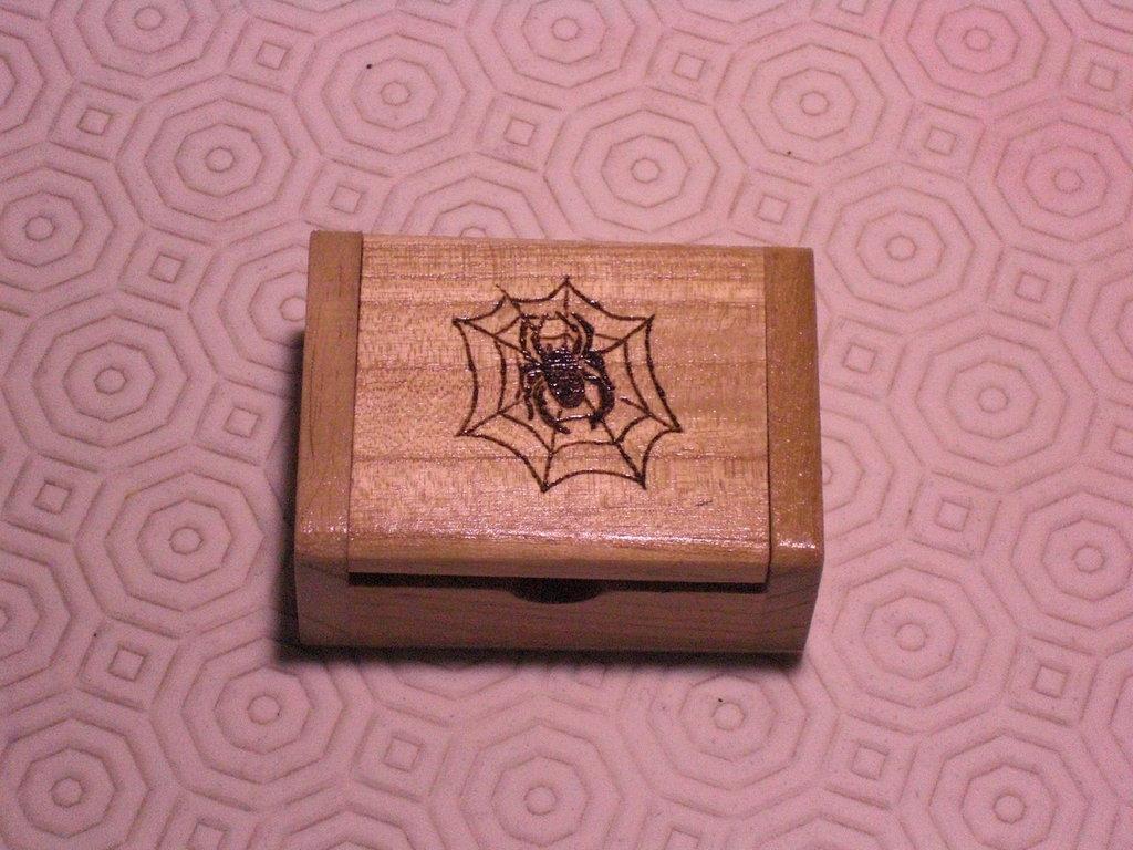 scatolina legno pirografata
