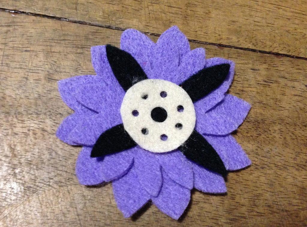 Fiore #1 in pannolenci