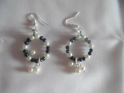 orecchini black and white