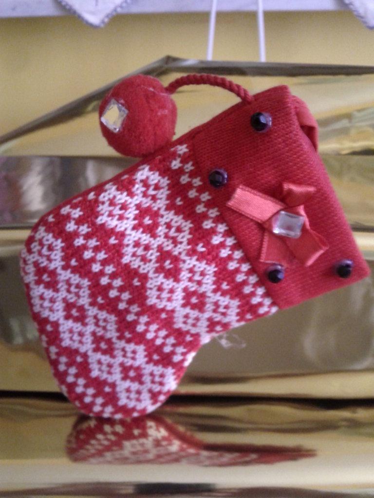 Spilla calza di Natale in cotone a maglia