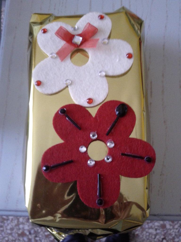 Spilla fiore grande natalizia