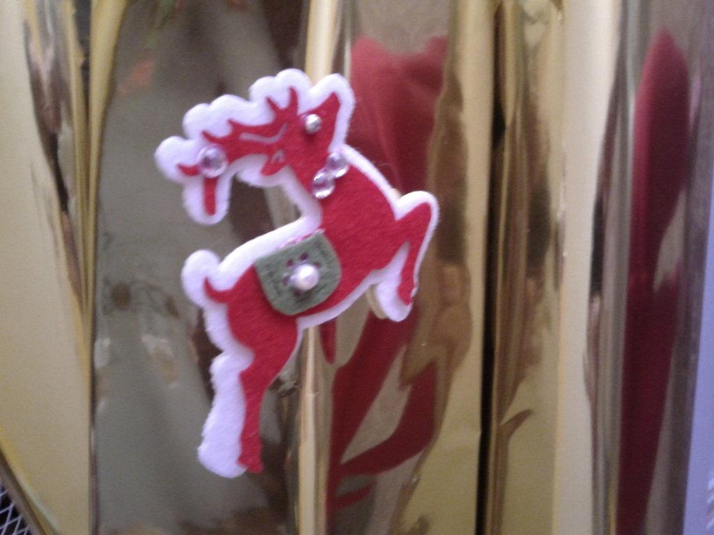 Spilla Renna  di Natale in Volo