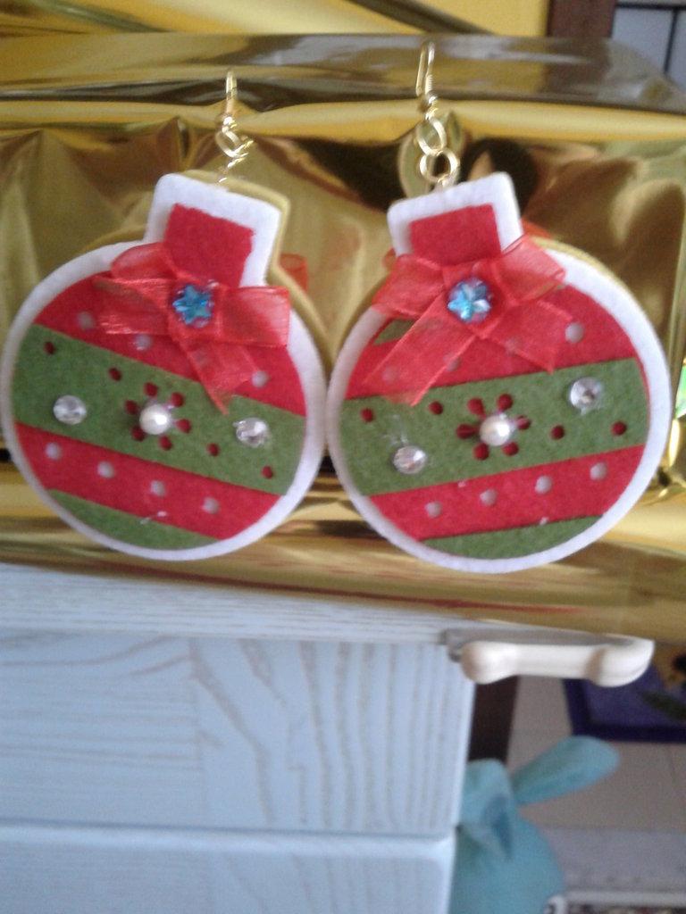 Orecchini a catenella palla di Natale