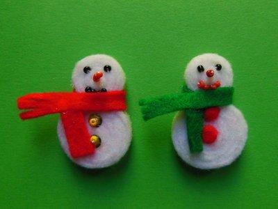 Segnaposti natalizi in feltro 'pupazzi di neve'