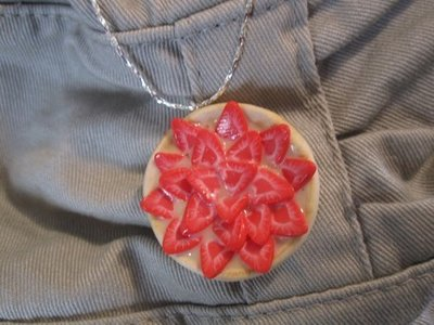 miniature food jewerly - adorable necklace with strawberry cake to wear - polymer clay cernit fimo