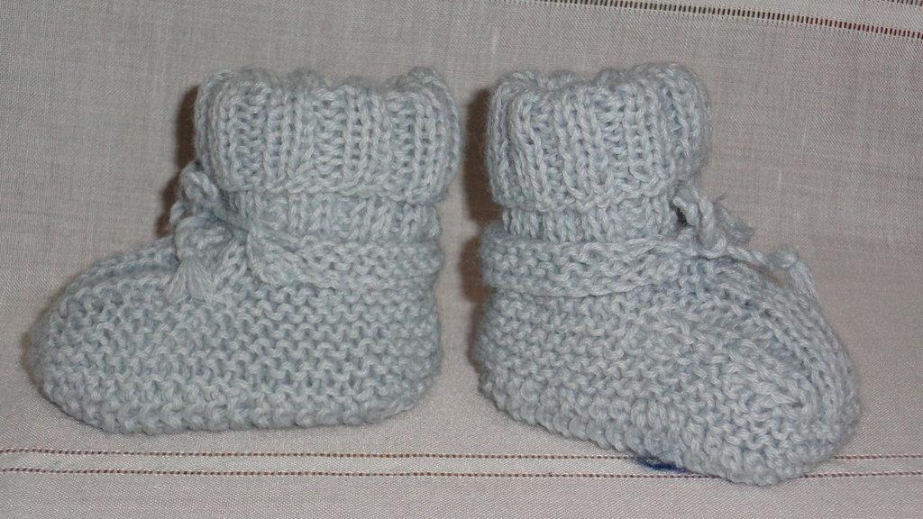 scarpette in lana  per noenato celesti