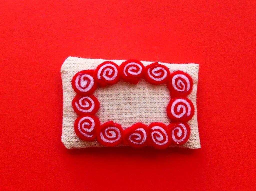 Cornice calamita rossa e bianca: l'idea regalo natalizia!