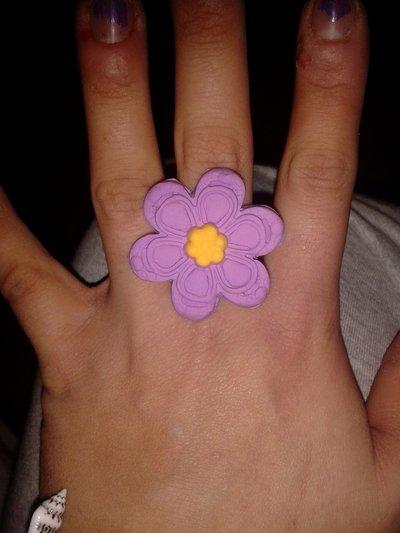 Anello con fiore