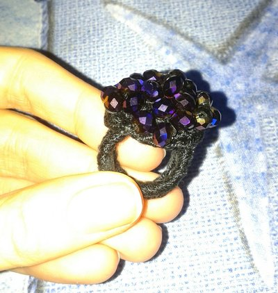 Anello uncinetto con pietre Swarovski