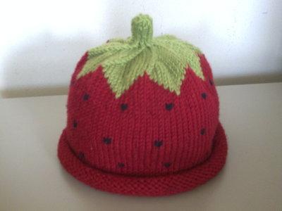 Cappello bambina fragola
