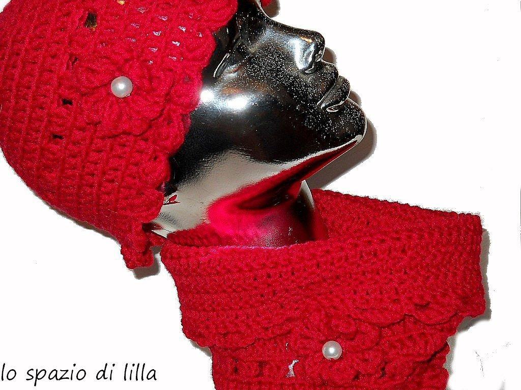 """Cappello uncinetto,scaldacollo uncinetto,hat, beanie,cloche,cowl,neckwarmer,OOAK """"Amore"""" crochet hat and neckwarmer, women, girls,wool hat, beanie, red hat,red neckwarmer,red cowl"""