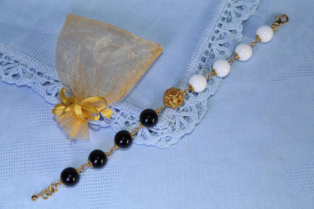 Bracciale artigianale fatto a mano agata bianca e onice nero - idea regalo