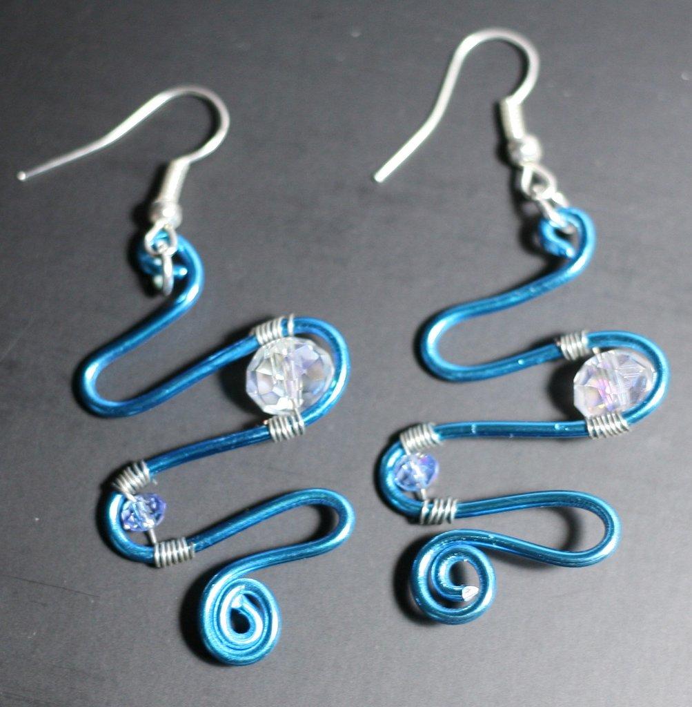 Orecchini azzurri wired