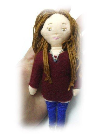 Bambolina personalizzata in stoffa