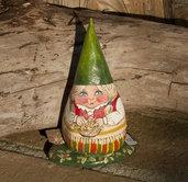 Dipinto su pietra - GNOMA CON BACCHE - Opera d'arte - Idea regalo - oggetto da collezione
