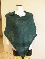 Poncho verde irlanda,di mohair,leggero,morbido,accessori donna