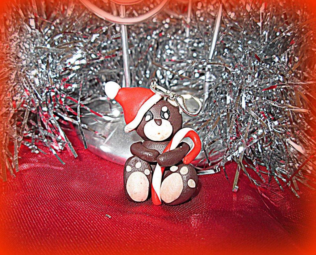 ciondolo in fimo orsetto natalizio