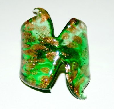 anello in vetro color verde