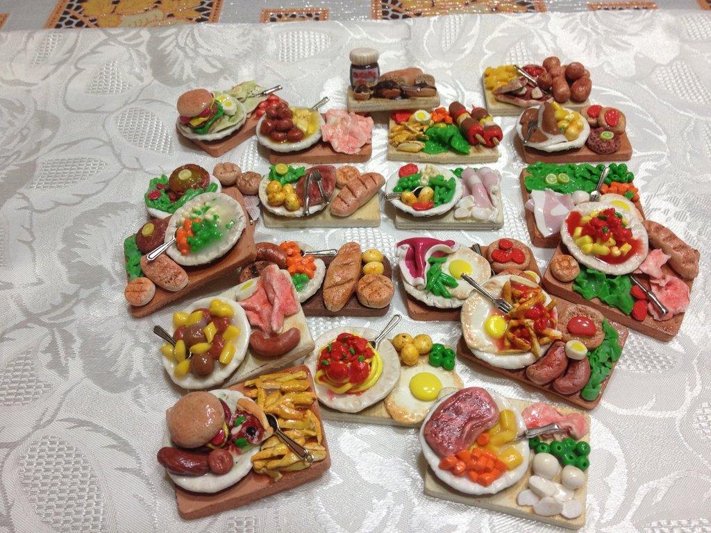 Calamite vassoi e piatti con cibo interamenti fatti a mano - Piatti di frutta decorati ...