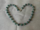 Collana girocollo con pietre dure verdi e cristalli bianchi,idea regalo.