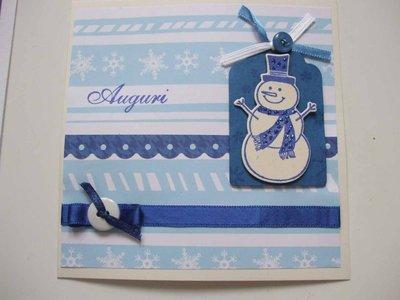 Biglietto Natale auguri azzurro pupazzo di neve
