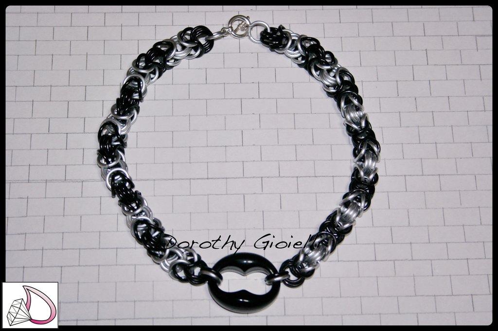 Collana girocollo chain mail argento satinato e nero