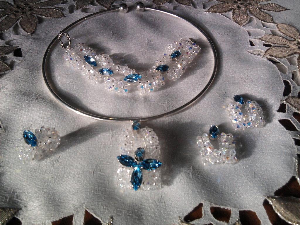 Parure di cristalli swaroski.