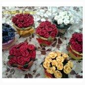 vasetti di roselline