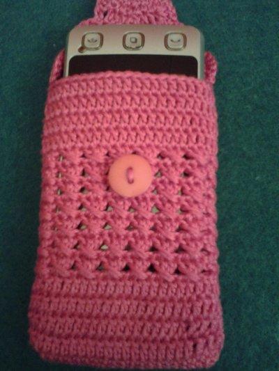 portacellulare  rosa fucsia ad uncinetto