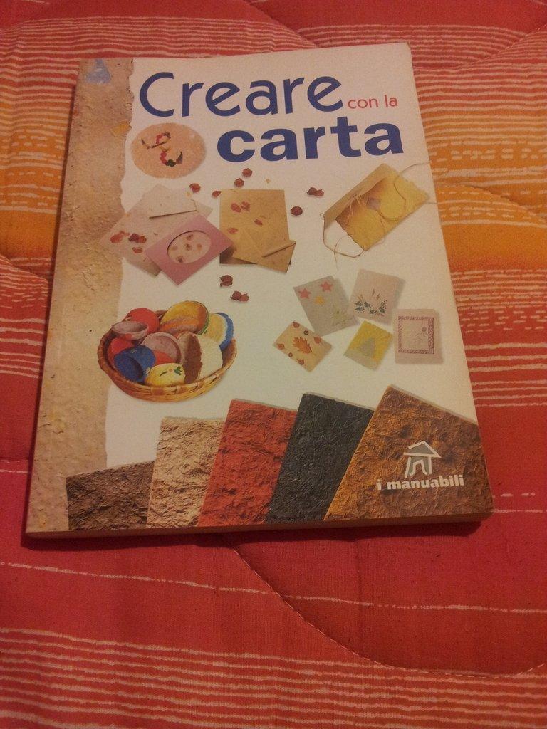 """Libro """" Creare con la carta"""""""