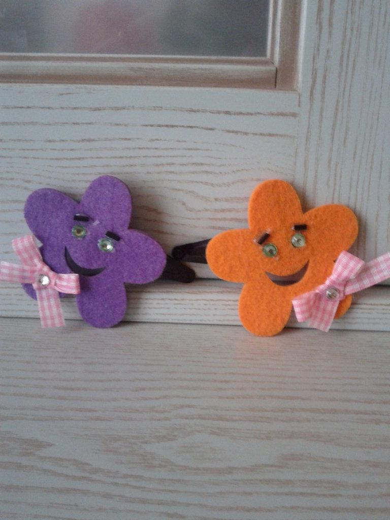 Mollette per capelli con fiore in feltro