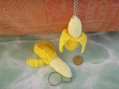Portachiavi banana all'uncinetto