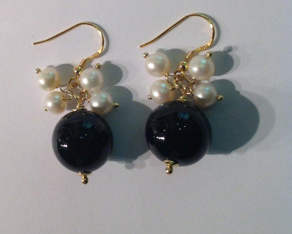 Orecchini in argento,onice e perle
