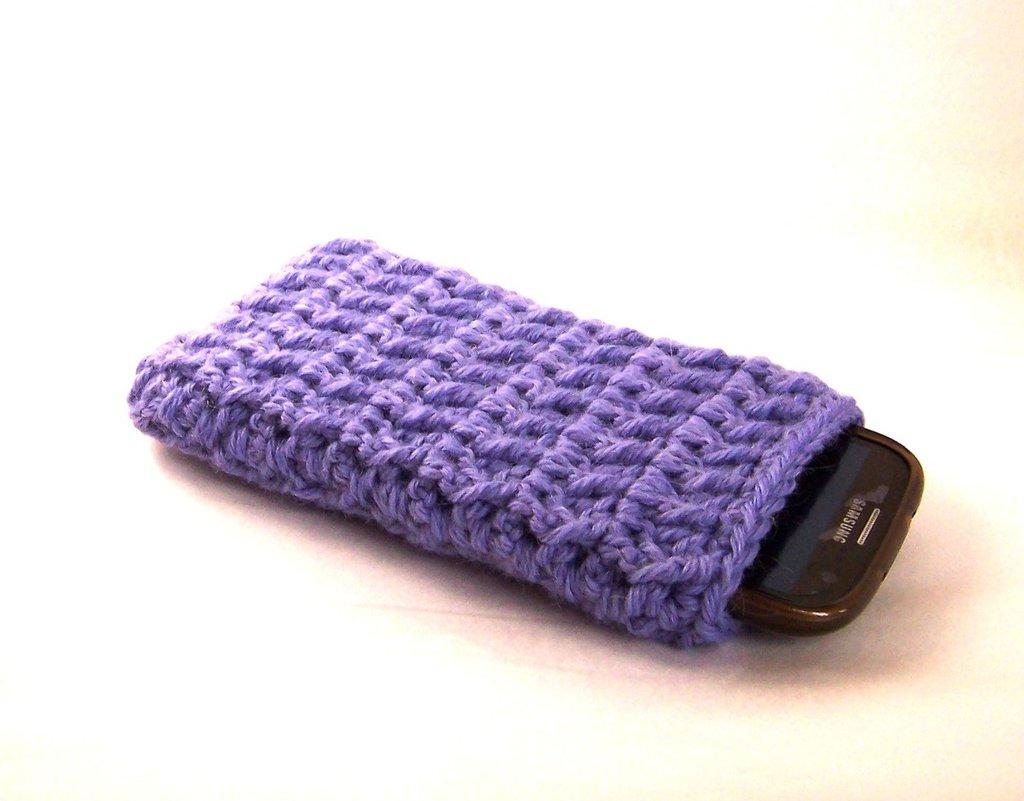 Custodia smartphone a uncinetto in lana (art. 44_Lilla)
